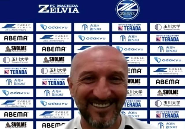 画像: ポポヴィッチ監督も笑顔で振り返った(写真◎スクリーンショット)