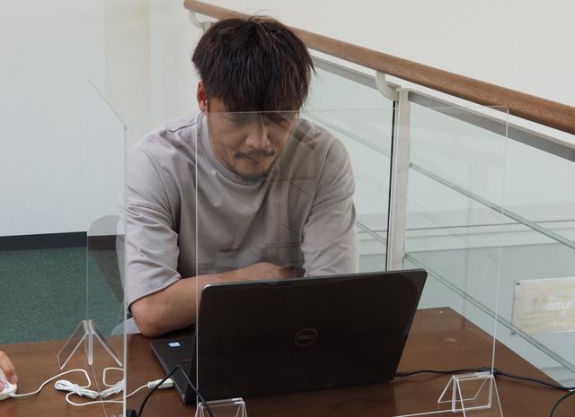 画像: 練習後、オンラインで取材に応じる大久保(写真◎東京ヴェルディ)