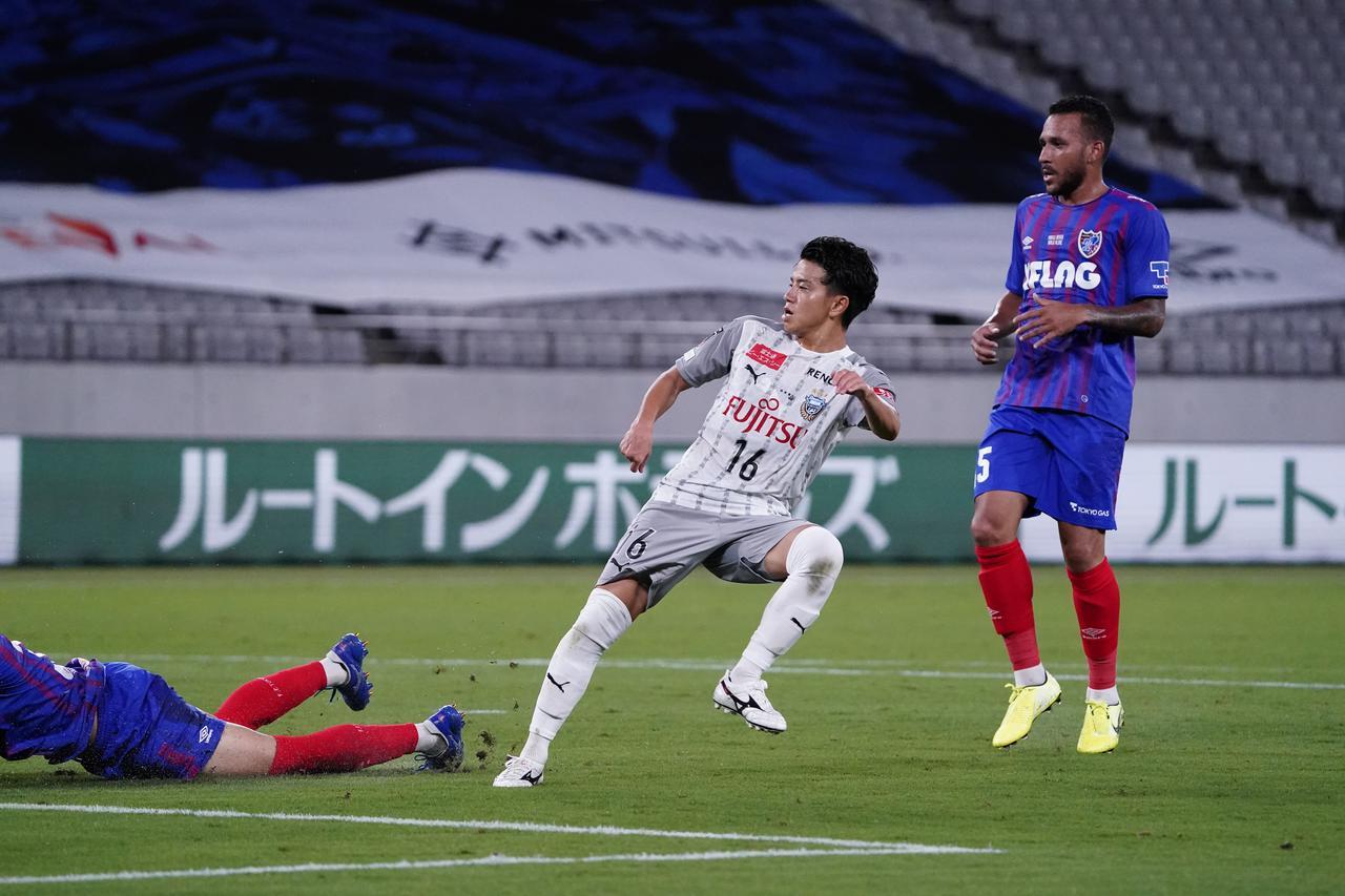 画像: 複数得点をあげたいと言っていた長谷川竜也が2得点の活躍。川崎FがFC東京に圧勝した(写真◎小山真司)