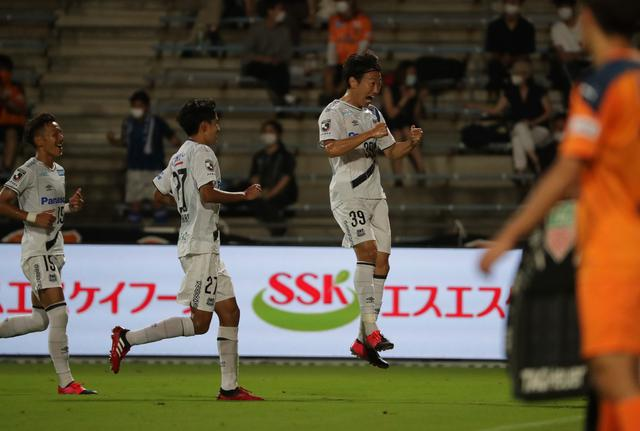 画像: 試合終了間際に渡邉千真が得点し、G大阪が粘る清水を敵地で撃破した(写真◎J.LEAGUE)