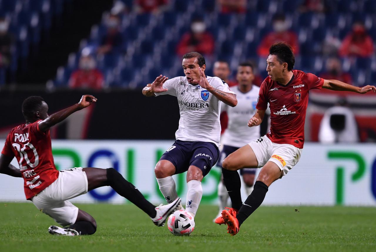 Images : 1番目の画像 - 優れたキープ力とパスセンスでチームの攻撃をけん引したレアンドロ・ドミンゲス(写真◎J.LEAGUE) - サッカーマガジンWEB