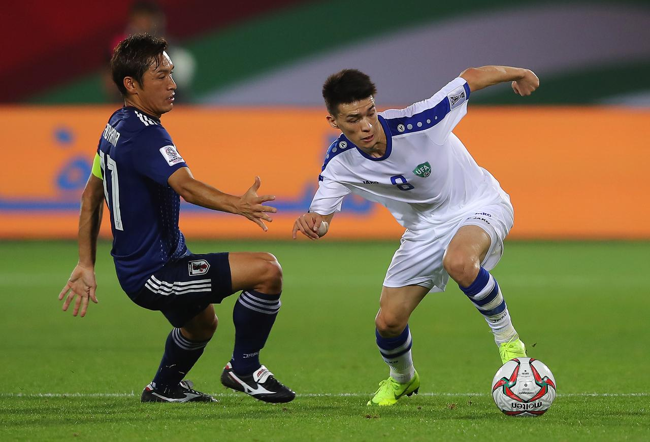 Images : 1番目の画像 - 19年1月のアジアカップでプレーする青山。この後にチームを離脱した(写真◎Getty Images) - サッカーマガジンWEB