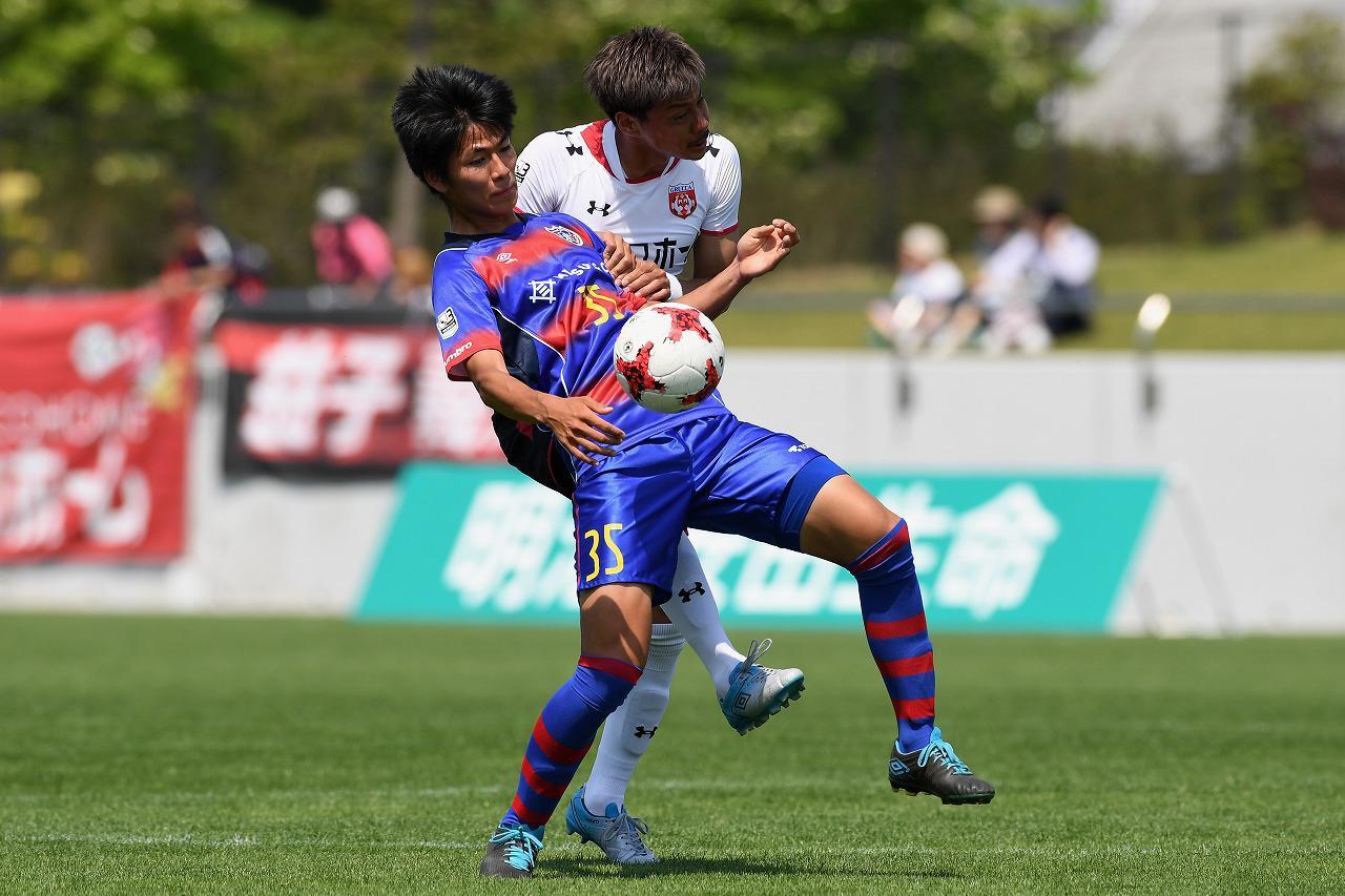 Images : 1番目の画像 - FC東京U-23でプレーする鈴木喜丈(写真◎Getty Images) - サッカーマガジンWEB