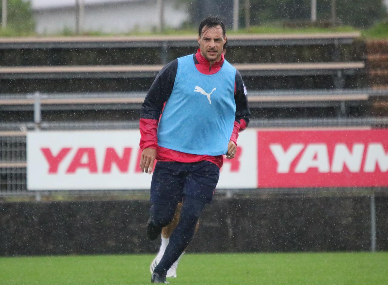 Images : 2番目の画像 - 8試合連続で先発出場しているレアンドロ・デサバトは「試合後のケアと食事が大切」と語る(写真◎CEREZO OSAKA) - サッカーマガジンWEB