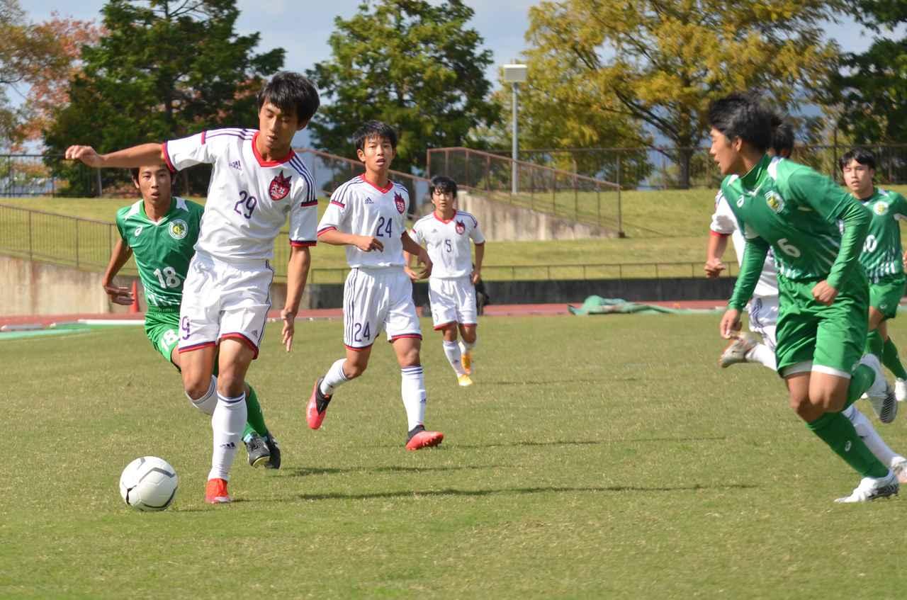 Images : 6番目の画像 - 10月24日に行なわれた高校選手権島根県予選2回戦。高校女子選手権の予選も行なわれた(写真◎石倉利英) - サッカーマガジンWEB