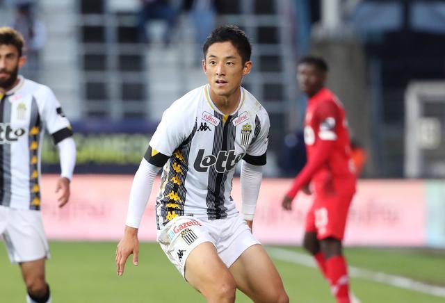 画像: 森岡亮太は文字通りチームの中心の一人として活躍中(写真◎Getty Images)
