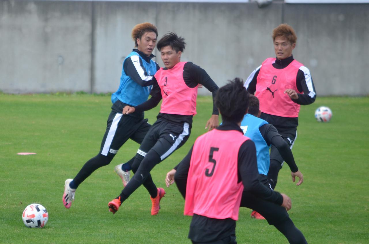 Images : 1番目の画像 - 11月20日の練習で八戸戦への調整を進めた鳥取(写真◎石倉利英) - サッカーマガジンWEB