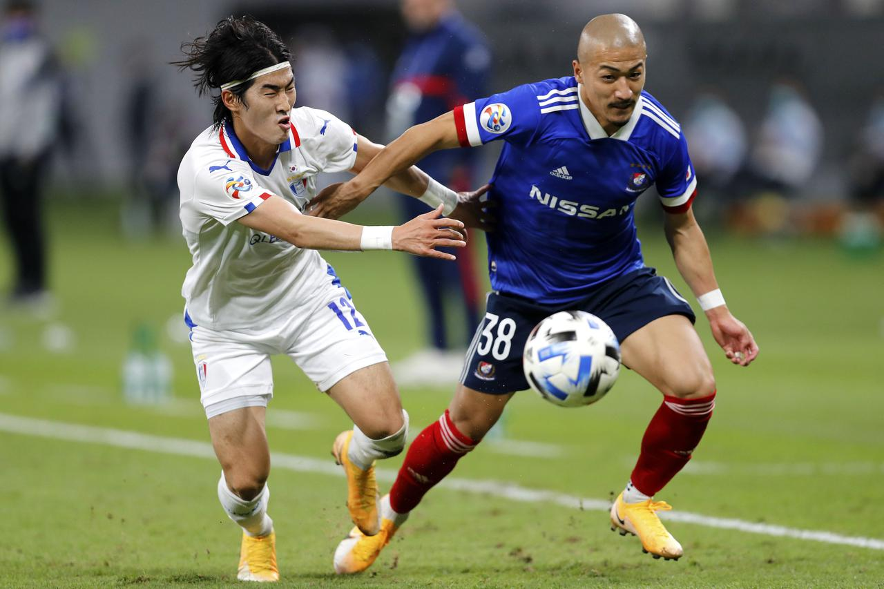 Images : 1番目の画像 - 終盤には前田大然らも投入され、ゴールを狙ったものの、一歩及ばなかった(写真◎Getty Images) - サッカーマガジンWEB
