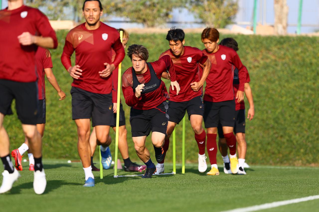 Images : 1番目の画像 - カタールに来て6試合目。疲労とうまく付き合いながらコンディションを上げていく(写真◎VISSEL KOBE) - サッカーマガジンWEB