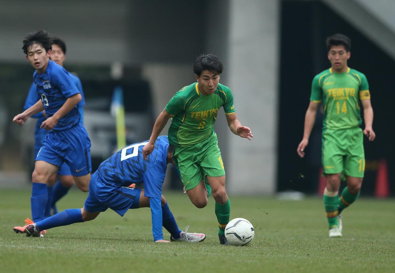 Images : 1番目の画像 - 【試合写真】帝京長岡の上野(8番)は1得点1アシストの活躍。準決勝に向けて「絶対勝ちにいきます」と意気込んだ - サッカーマガジンWEB