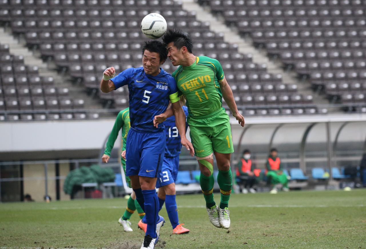 Images : 3番目の画像 - 【試合写真】帝京長岡の上野(8番)は1得点1アシストの活躍。準決勝に向けて「絶対勝ちにいきます」と意気込んだ - サッカーマガジンWEB