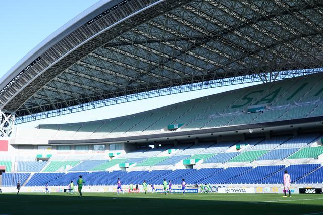 画像: 観客のいない埼玉スタジアム。準決勝を戦った両チームの選手は雰囲気に慣れたはずだ(写真◎小山真司)