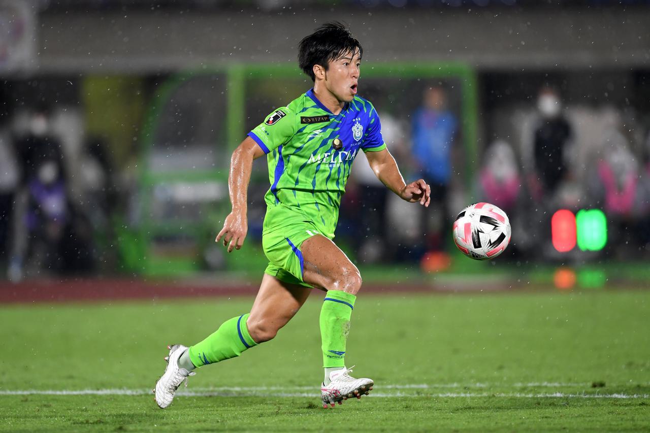 Images : 3番目の画像 - 魅力の思い切りの良さを湘南で発揮してきた。京都でも!(写真◎京都サンガF.C./Getty Images) - サッカーマガジンWEB