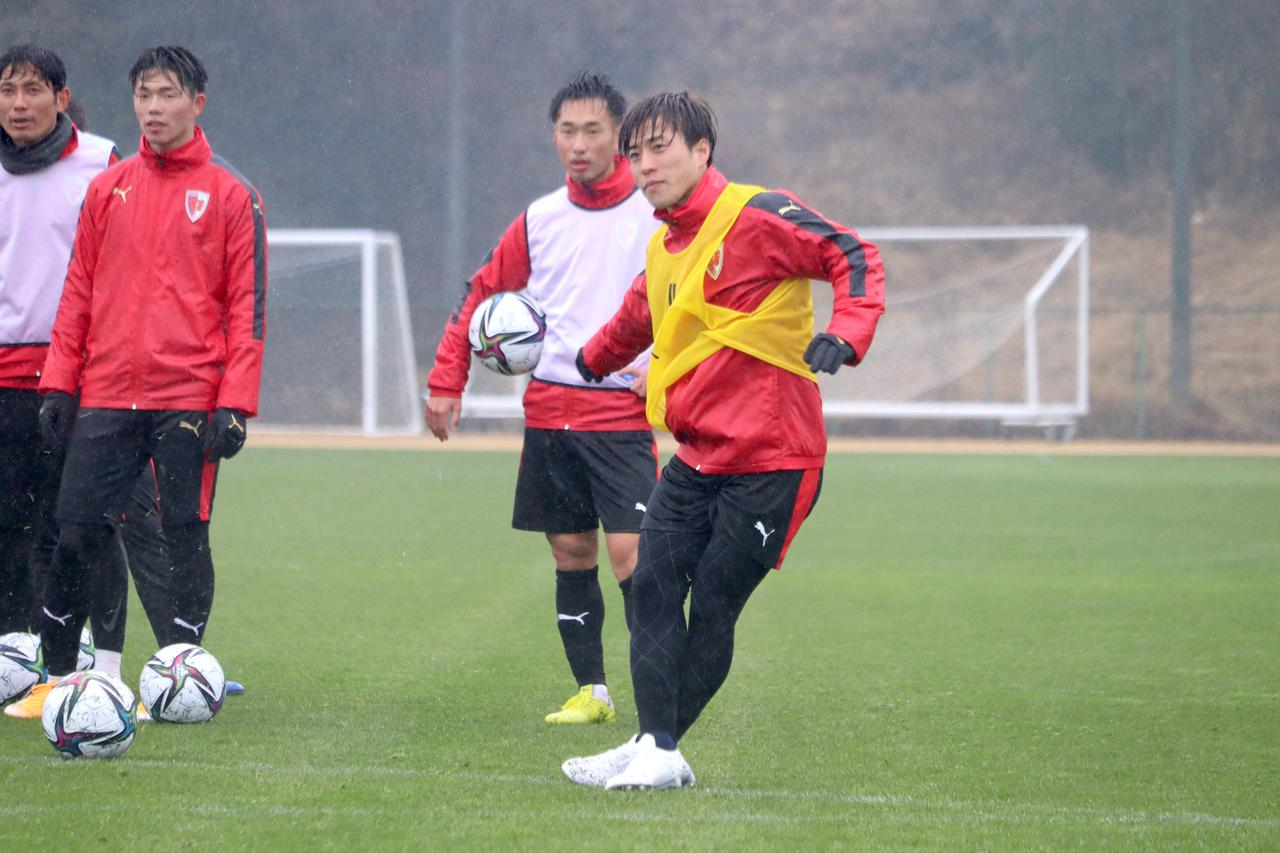 Images : 1番目の画像 - 魅力の思い切りの良さを湘南で発揮してきた。京都でも!(写真◎京都サンガF.C./Getty Images) - サッカーマガジンWEB