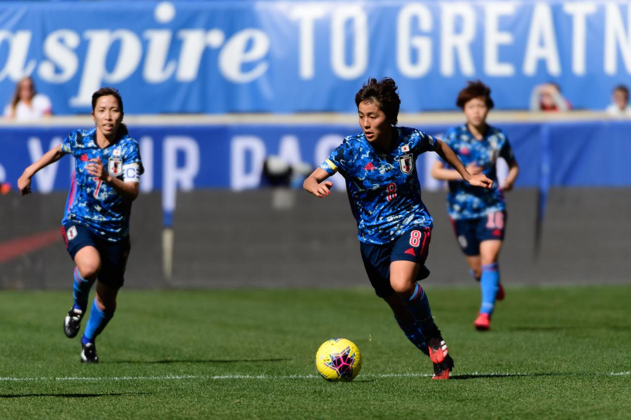 Images : 1番目の画像 - 【写真】日本は昨年3月の『SheBelieves cup』に参加。イングランド戦でプレーする岩渕真奈(写真◎Getty Images) - サッカーマガジンWEB