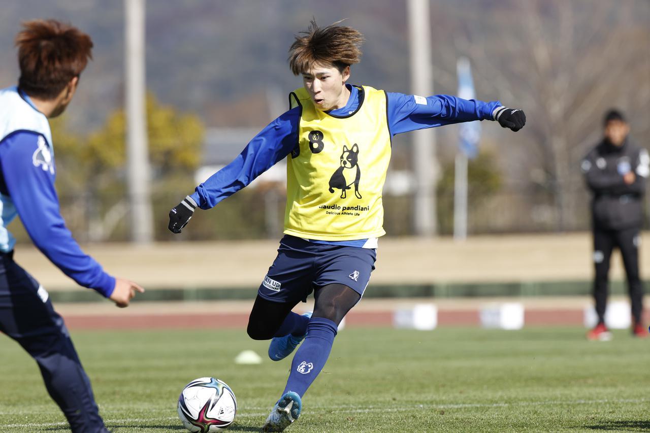 Images : 1番目の画像 - 【写真】開幕へ準備着々。昨季以上のゴールとアシストが期待される松尾佑介(写真提供◎横浜FC) - サッカーマガジンWEB