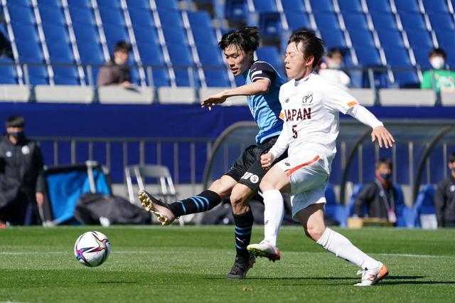 画像: 田中幹大が抜け出して右足を振り抜いた先制ゴール。GKの股下を抜く見事な一撃だった