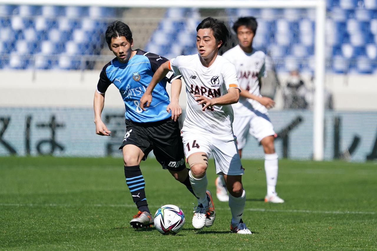 Images : 6番目の画像 - 【写真】ピッチで駆け回った高校選抜の選手たち(写真◎小山真司) - サッカーマガジンWEB