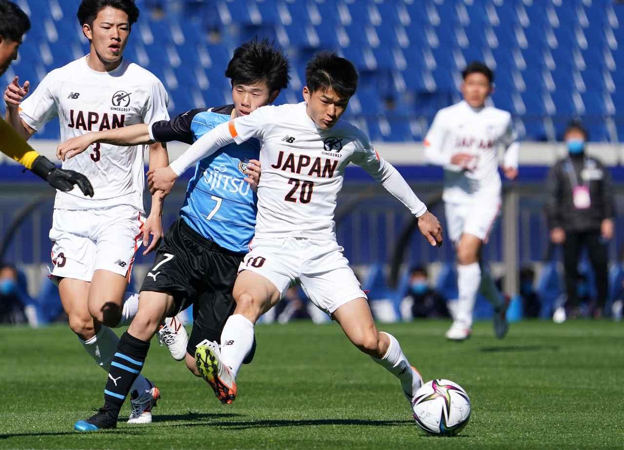 Images : 8番目の画像 - 【写真】ピッチで駆け回った高校選抜の選手たち(写真◎小山真司) - サッカーマガジンWEB
