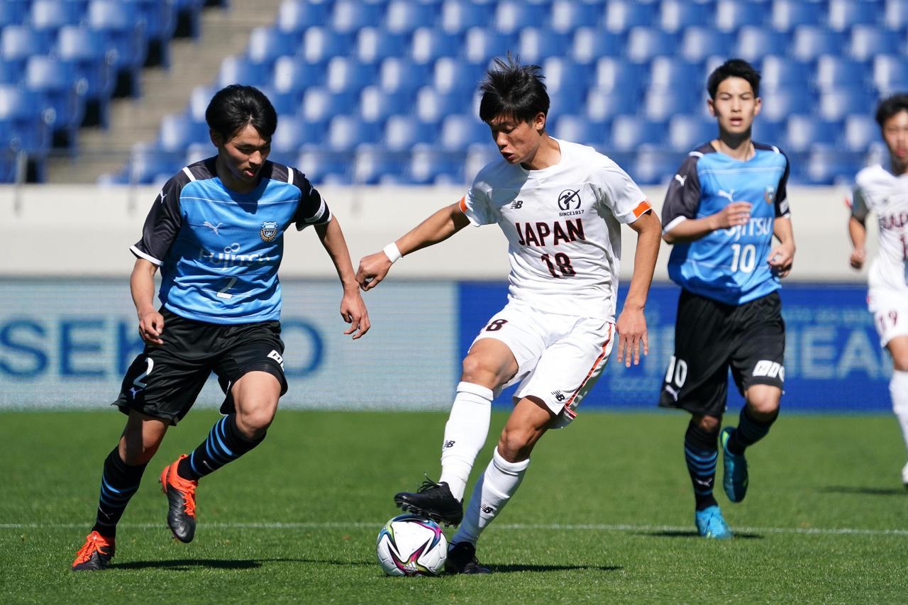 Images : 7番目の画像 - 【写真】ピッチで駆け回った高校選抜の選手たち(写真◎小山真司) - サッカーマガジンWEB