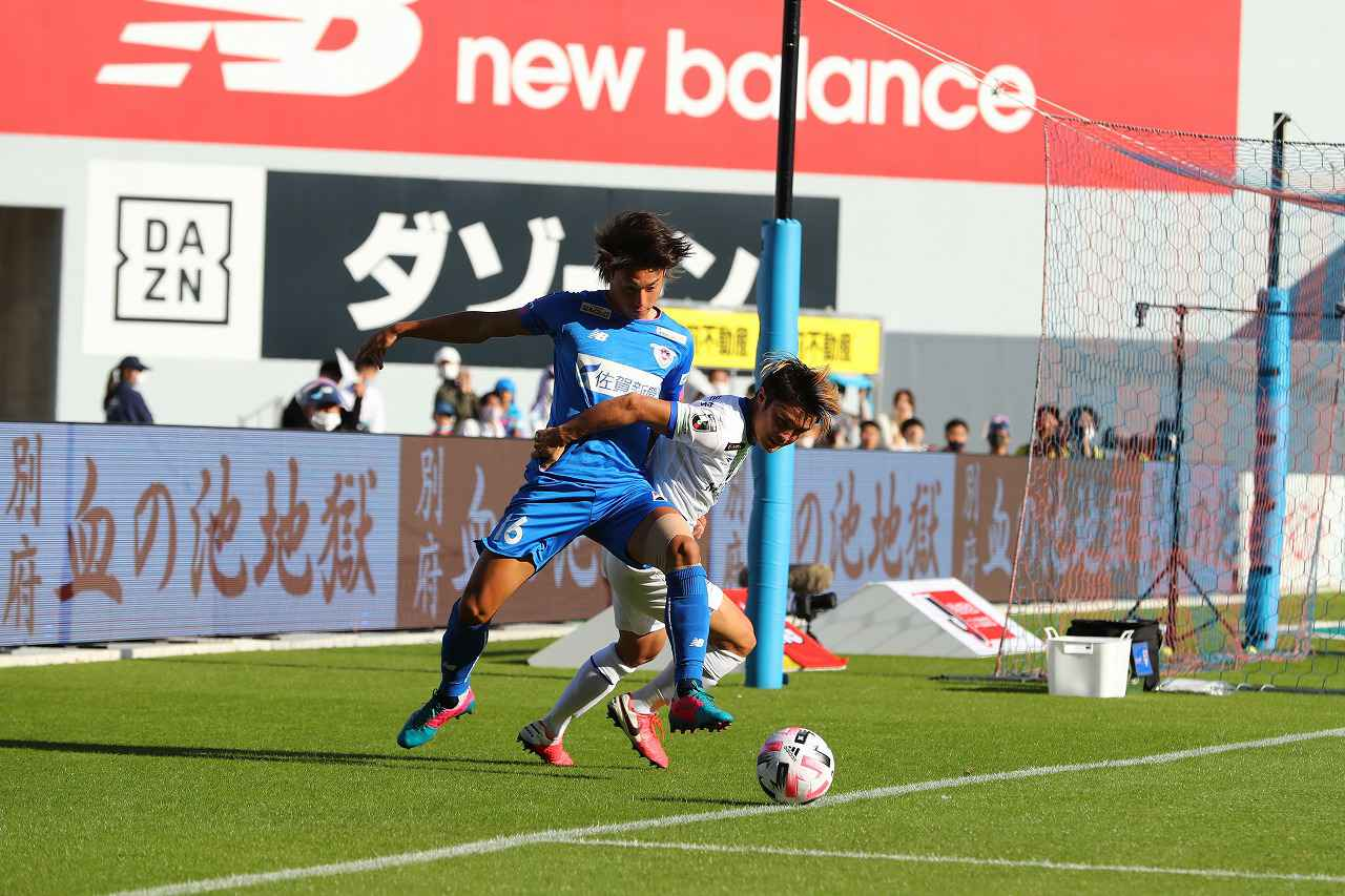 Images : 1番目の画像 - 2020シーズンは10月に中3日で2度対戦した湘南ベルマーレとサガン鳥栖。両者譲らず、いずれも引き分けで終えた(写真◎J.LEAGUE) - サッカーマガジンWEB