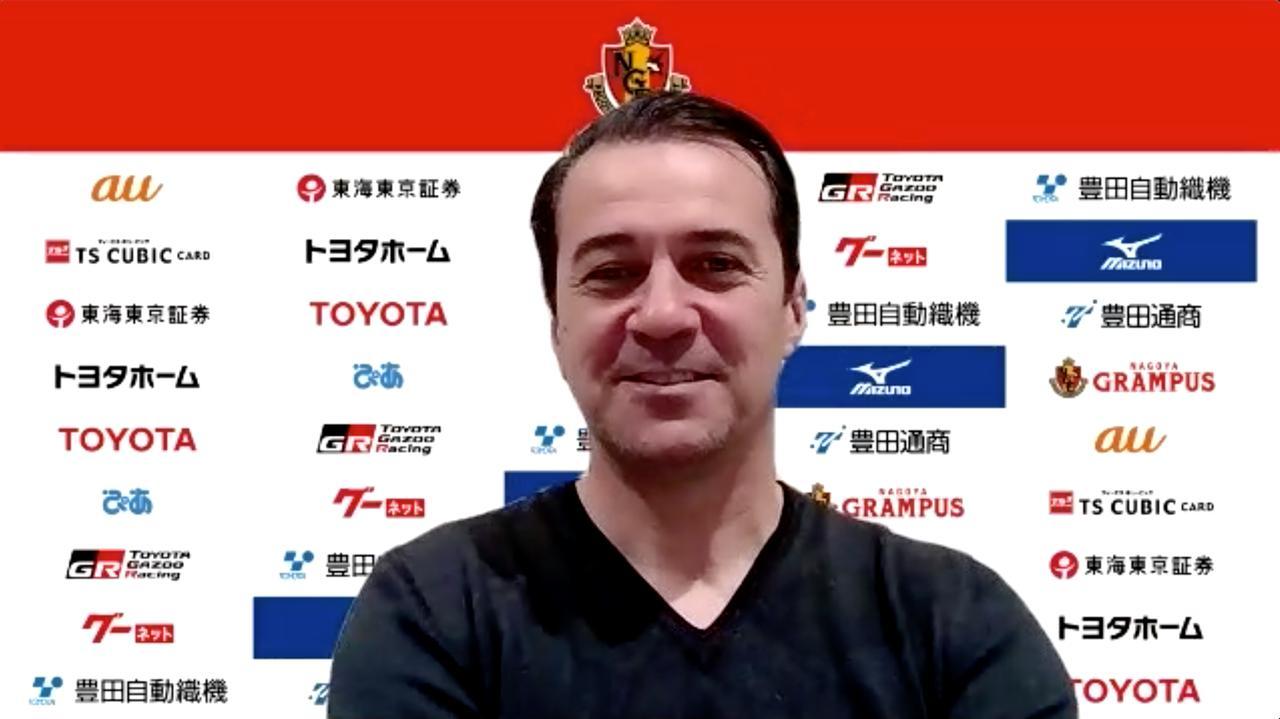 Images : 1番目の画像 - 【写真】フィッカデンティ監督は「合格点をあげられる結果だった」と開幕戦の勝利を喜びながらも、強敵G大阪戦を前に慎重さを崩さない(写真◎スクリーンショット) - サッカーマガジンWEB