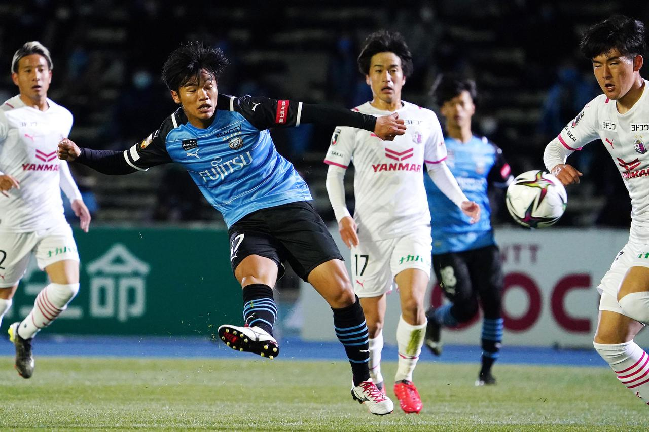 Images : 9番目の画像 - 【写真】C大阪も前半の2得点で攻撃的に戦った。見ごたえのある90分だった(写真◎小山真司)1 - サッカーマガジンWEB