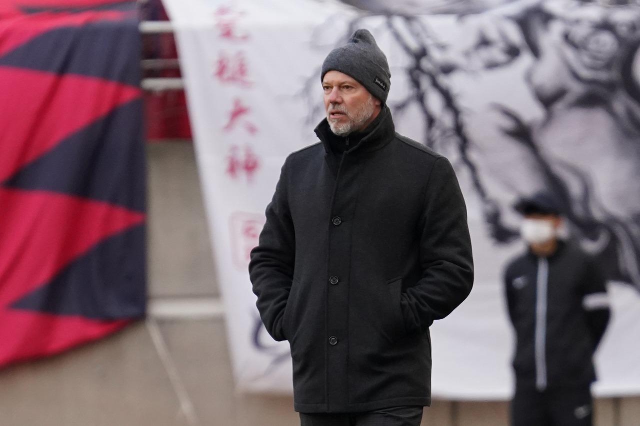 Images : 1番目の画像 - 鹿島アントラーズを率いるザーゴ監督(写真◎Getty Images) - サッカーマガジンWEB