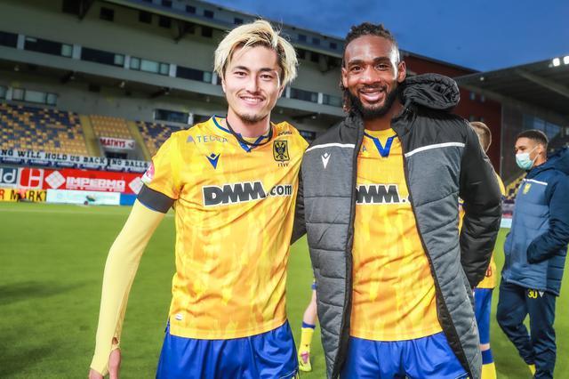 画像: 今季は信頼するムボヨとのコンビネーションで多くのゴールを生んだ(写真◎シント=トロイデンVV)