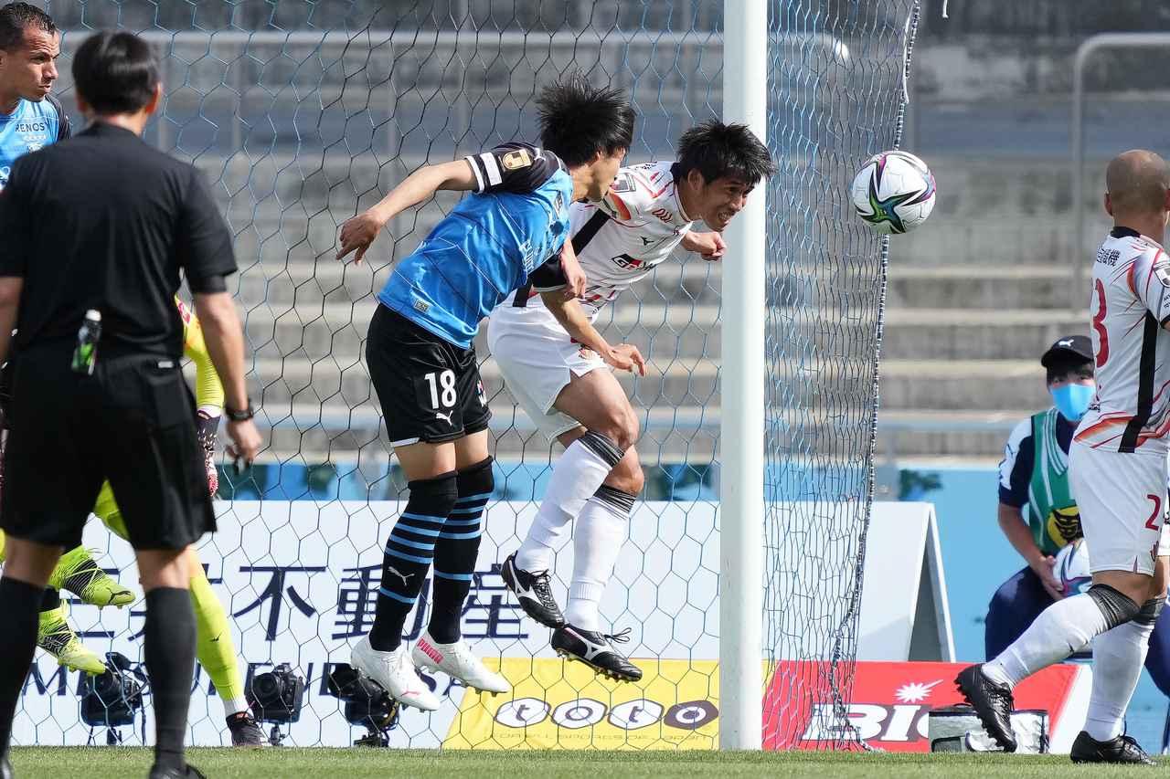 Images : 4番目の画像 - 【写真】川崎Fと名古屋の激戦を写真で振り返る(写真◎小山真司) - サッカーマガジンWEB