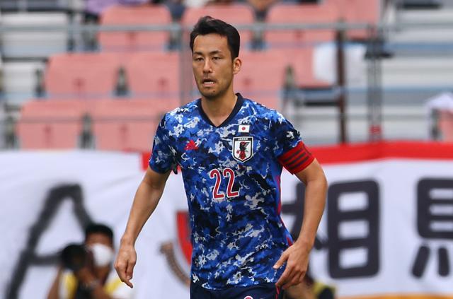 画像: U-24代表に加わるや吉田麻也はさすがのリーダーシップでチームの雰囲気を変えた
