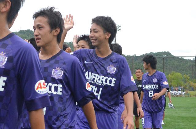 画像: 2012年、高校2年時の川辺。広島ユースでは1年時からレギュラーとして活躍していた(写真◎石倉利英)