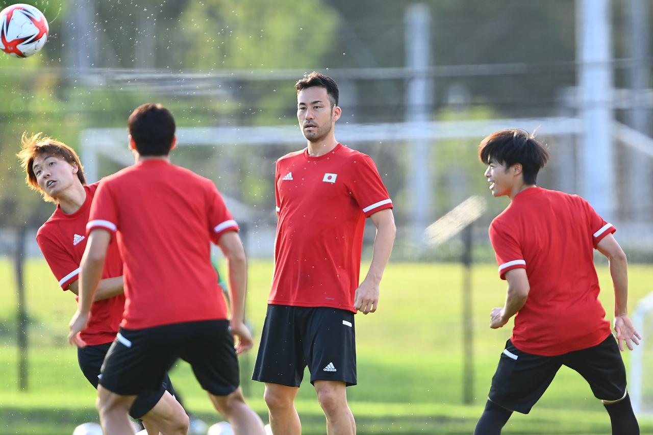 Images : 1番目の画像 - 【写真】これまでの世界大会で一番うまく準備できていると吉田麻也は話した(写真◎JMPA) - サッカーマガジンWEB