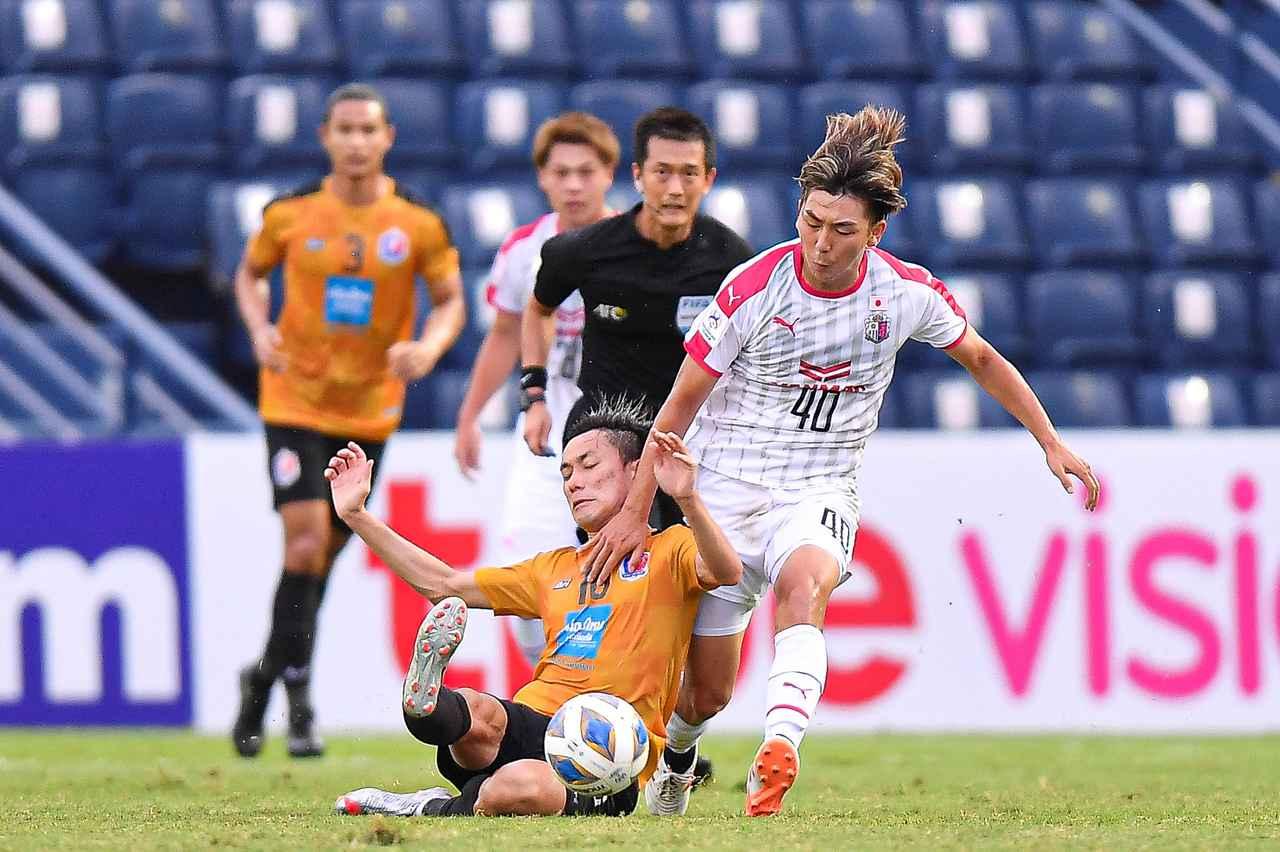 Images : 3番目の画像 - 【写真】4勝2分けで首位通過したACLのグループステージ。キム・ジンヒョンは前日会見に出席して意気込みを語った(写真◎2021 Asian Football Confederation、CEREZO OSAKA) - サッカーマガジンWEB
