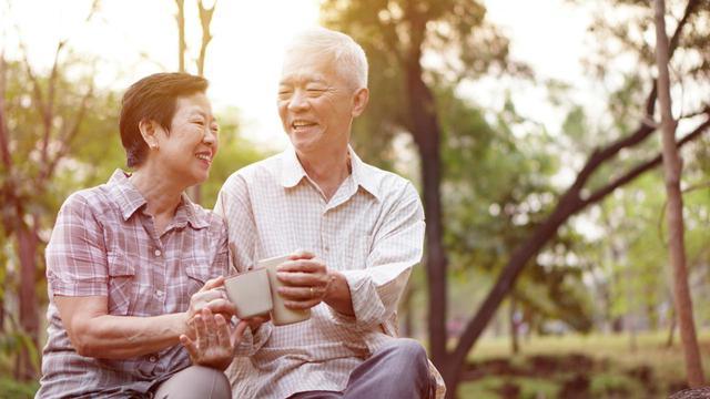 画像: 【老後】65歳以上の平均支出額は26.4万円