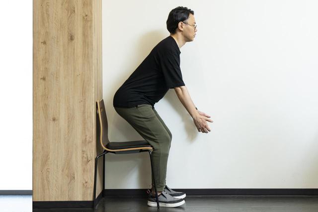 画像2: 【医師監修】猫背解消!姿勢を良くする「立ち方・歩き方・座り方」