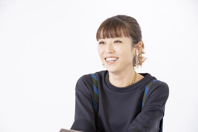 画像: 若槻 千夏(わかつき ちなつ) 1984年埼玉県生まれ。17歳の時に渋谷でスカウトされてデビュー。グラビアからファッションモデル、さらにバラエティ番組を中心にテレビまで活躍の場を広げ、カリスマ的人気に。2009年に自身のブランド「w♥c」を立ち上げる。12年に東京コレクション参加、13年に「w♥c」から退いた後は、株式会社WCJAPANを立ち上げる。15年から芸能界に本格復帰。19年新アパレルブランド「WCJ」をスタート。