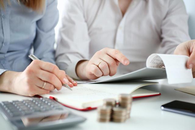 画像: 【共働き夫婦の貯金術】20・30代の平均額は? 貯まらない理由は? FPが解説!