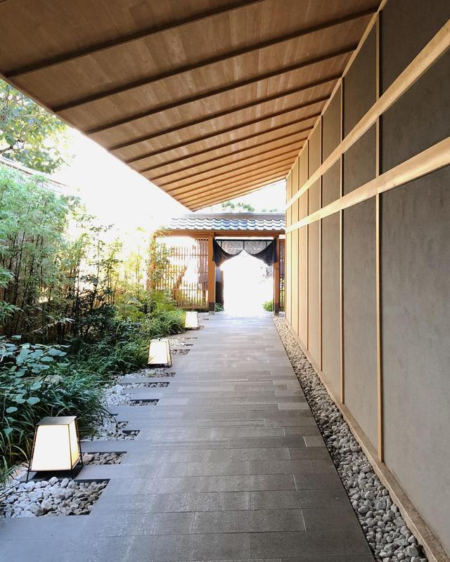 画像1: 東京のど真ん中で、温泉街の旅館のような風情を味わう「ONSEN RYOKAN 由縁 新宿」