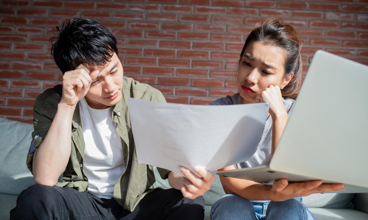 画像1: 新婚の男性(29歳)「妻の奨学金360万円の返済が心配…。繰り上げ返済するべき?」