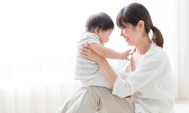 画像: 育児休業の延長はいつまで? 条件や手続き、申請書類や給付金についてまるっと解説 - マネコミ!