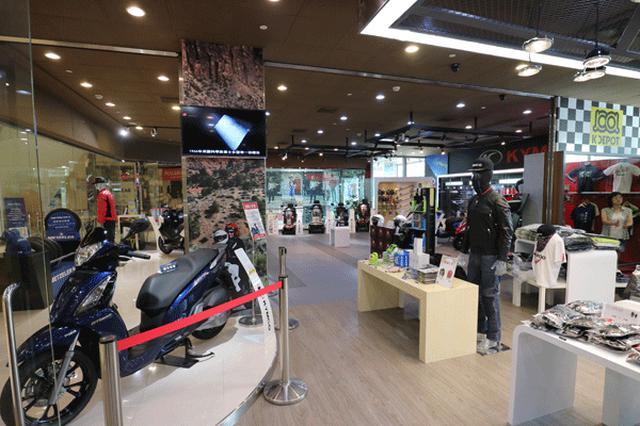 画像: 高雄市内のショッピングモールには高級感漂うショールームを直営する