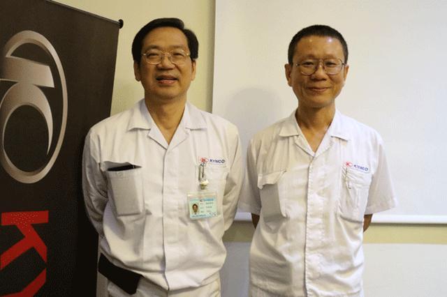 画像: 柯総経理(左)と張壬泉協理