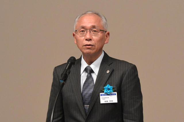 画像: 挨拶する後藤埼玉県警交通部長