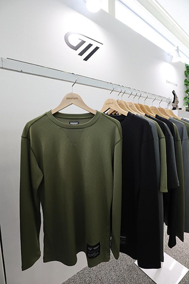 画像: So  CoolロンTシャツ(5500円)=従来の春夏用涼感アンダーを、アンダーウエアに見えないデザインに一新。