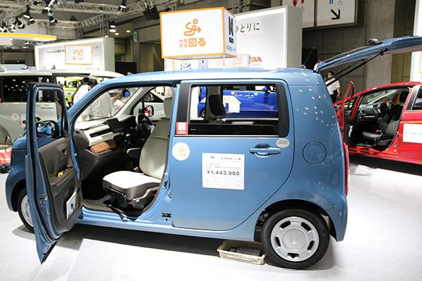 画像: ホンダ・エヌワゴンの助手席回転シート車