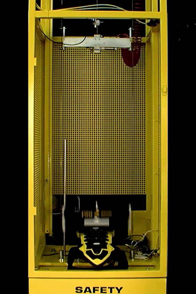 画像: 社内のセーフティーラボで安全性を検証
