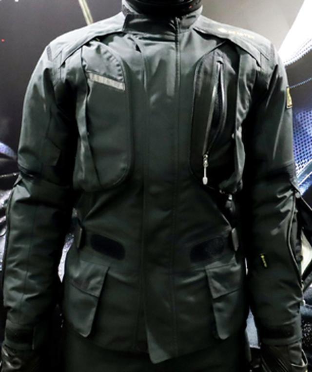 画像: 防水と換気の両機能を備えたユーロジャケット