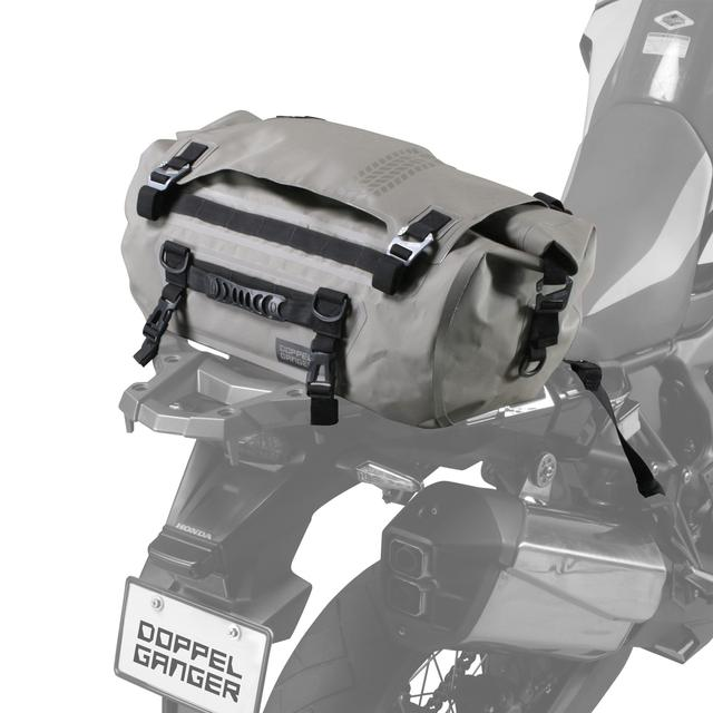 画像: 装着安定感に配慮した防水ドラムバッグ