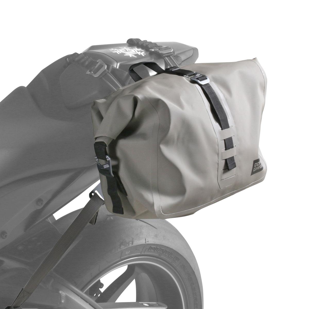 画像: タンデムも可能で普段使いしやすい防水シングルサイドバッグ